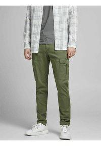 Jack & Jones - Cargo trousers - dusty olive - 0