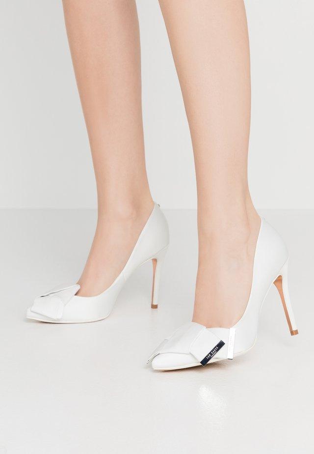 IINESI - High Heel Pumps - ivory