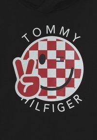 Tommy Hilfiger - SMILE HOODY UNISEX - Sweater - black - 2