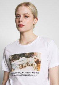 Even&Odd - HATTIE FALLING  - T-shirt print - white - 3