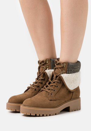 CHILLED - Lace-up ankle boots - tan