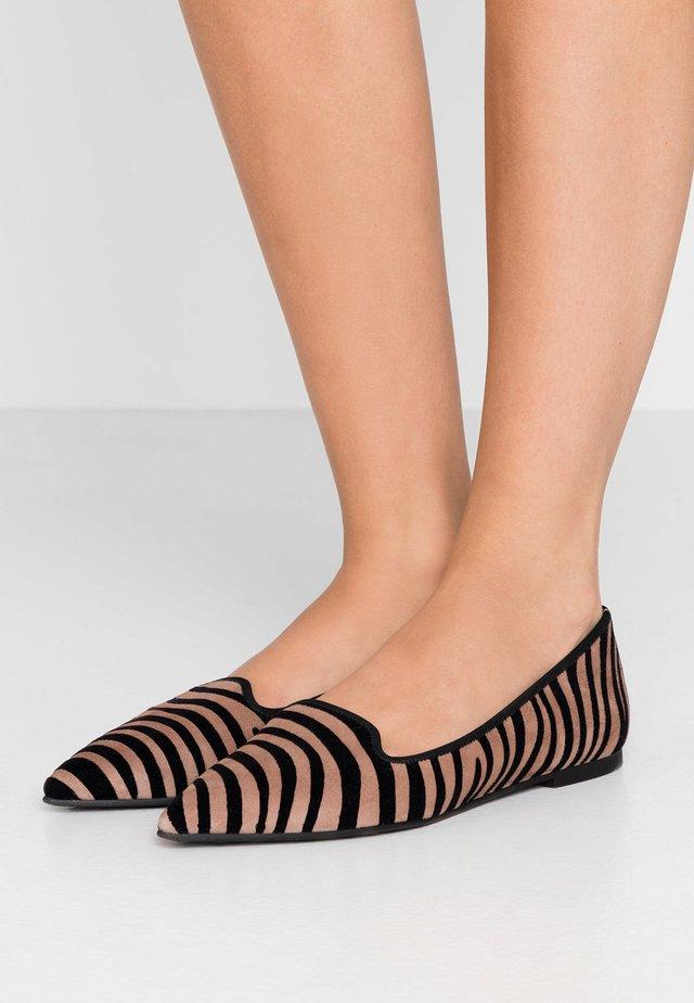 JUNGLA - Scarpe senza lacci - sand