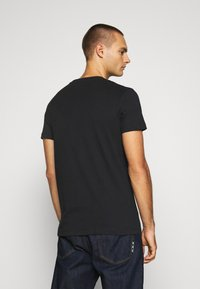 Calvin Klein Jeans - SMALL CENTER BOX TEE - Printtipaita - black - 2