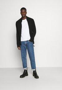 G-Star - 3D BIKER ZIP THRU KNIT L\S - Cardigan - cotton tone fusion knit o - dk black - 1