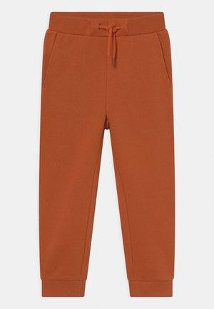 RUE PANT - Broek - rust