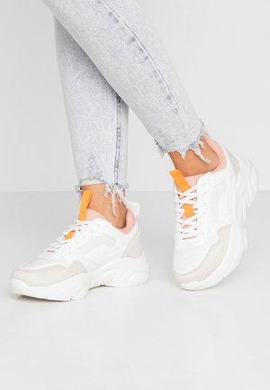 ONLSANNA CHUNKY  - Baskets basses - white