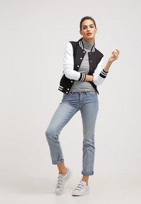Urban Classics - Bomber Jacket - black/white - 1