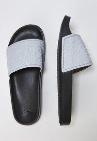 Slydes - Sandály do bazénu - gray - 1