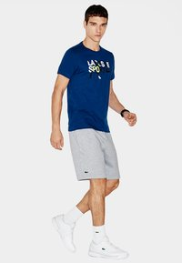 Lacoste Sport - MEN TENNIS - Sports shorts - argent chine
