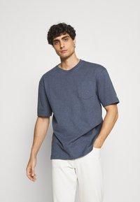 GANT - LOCKER LOOP POCKET - T-shirt - bas - indigoblue melange - 0