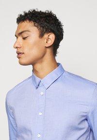 DRYKORN - LOKEN - Formální košile - light blue - 4