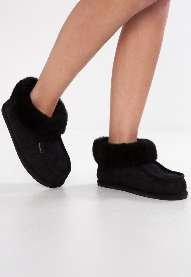 LENA - Chaussons - black