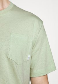 Tiger of Sweden - DIDELOT - Basic T-shirt - light green - 5