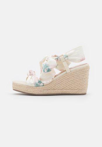 KELISAN - Platform sandals - light pink