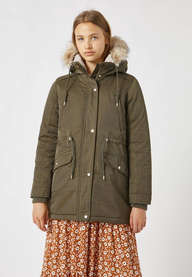 Płaszcz zimowy - khaki