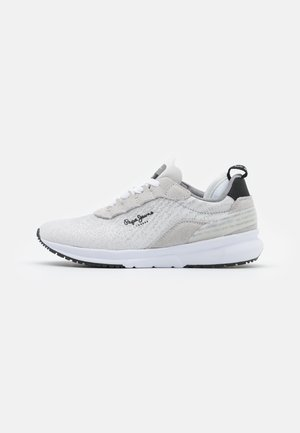 Nº22 WOMAN - Trainers - white