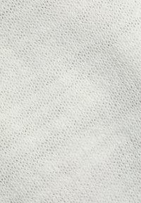 Esprit - Basic T-shirt - off white - 8