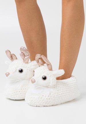 Slippers - cream