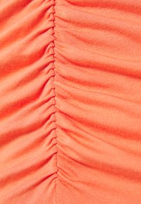 Lost Ink Petite - RUCHED FRONT MIDI DRESS - Vestido ligero - orange - 2