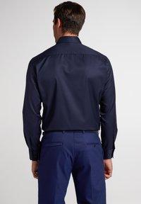 Eterna - MODERN FIT - Zakelijk overhemd - marine - 1
