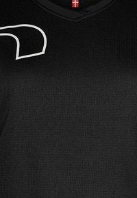 Newline - CORE COOLSKIN TEE - Sports shirt - black - 2