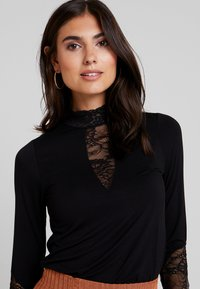 Culture - BLOUSE - Long sleeved top - black - 4