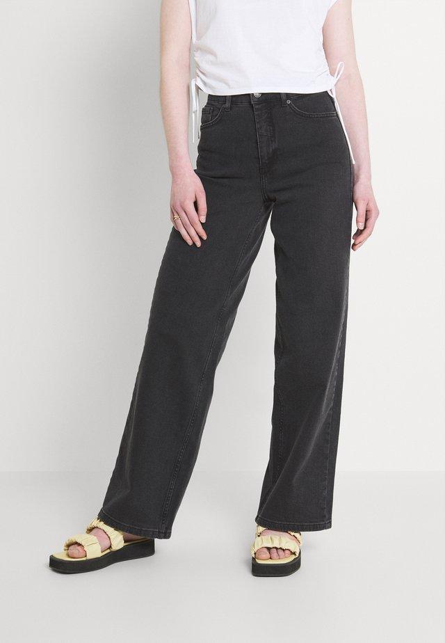 KATO KARINA WIDE - Široké džíny - black denim