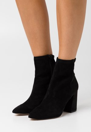 LARUS - Classic ankle boots - open black