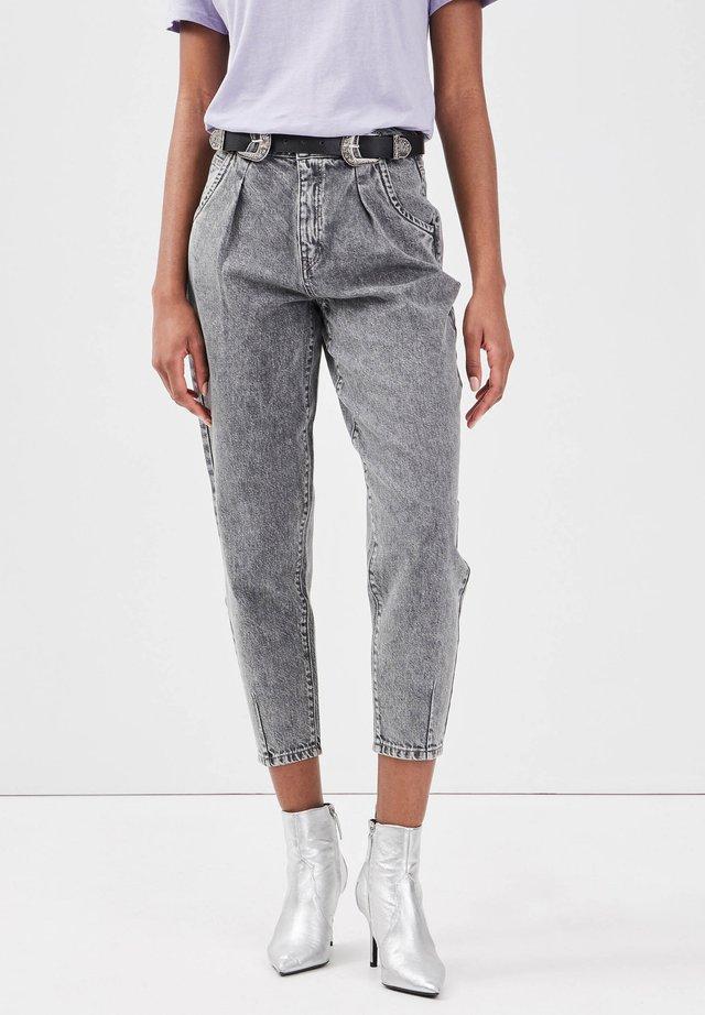 MIT ABNÄHERN - Jeans slim fit - denim gris