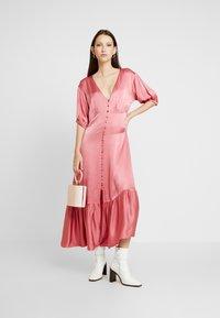 Ghost - IZZY DRESS - Denní šaty - pink - 2
