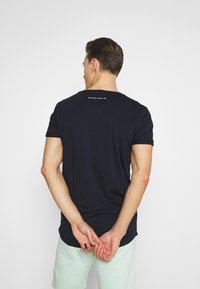 TOM TAILOR DENIM - WITH PRINT - T-shirt med print - sky captain blue - 2