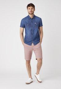 Wrangler - Shirt - mid summer - 1