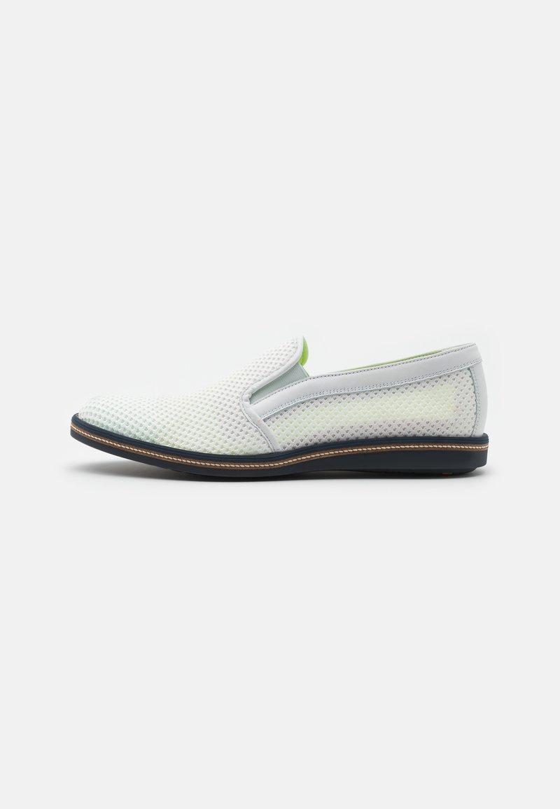 Lloyd - GENTILE - Nazouvací boty - white