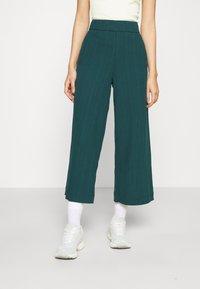 Monki - Trousers - dark green - 0
