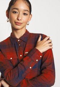 Lee - REGULAR WESTERN - Skjorte - red ochre - 5