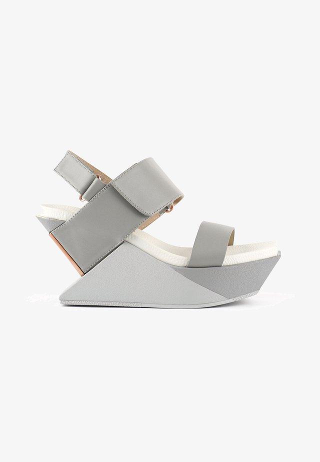 DELTA - Sandalen met sleehak - composite