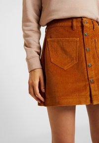 ONLY - ONLAMAZING SKIRT - Jupe trapèze - rustic brown - 4