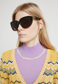 Gucci - Sluneční brýle - black/brown - 1