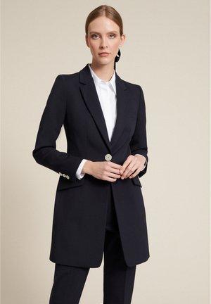 Klasický kabát - blu