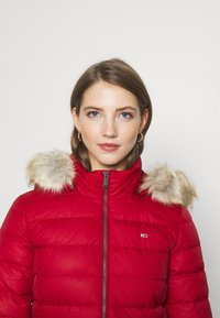 Tommy Jeans - ESSENTIAL HOODED COAT - Down coat - wine red - 3