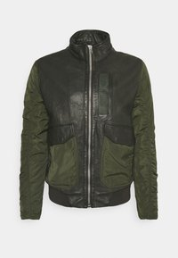 CHAIN BOMBER - Bomber Jacket - leaf green