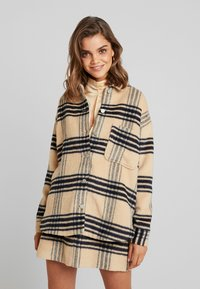 Missguided - PURPOSEFUL BRUSHED CHECK DOUBLE BREASTED COAT - Manteau court - sand - 0