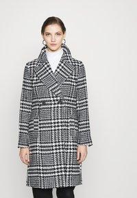 Forever New - JILLIAN HOUNDSTOOTH COAT - Classic coat - black & white - 0