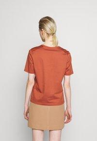 IVY & OAK - Basic T-shirt - rose tan - 2