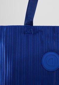 Desigual - DUFFLE BAG PLEATS BLUE - Sports bag - royal - 7