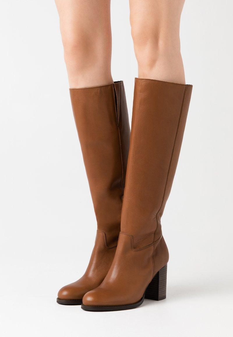 Lazamani - Boots - chestnut