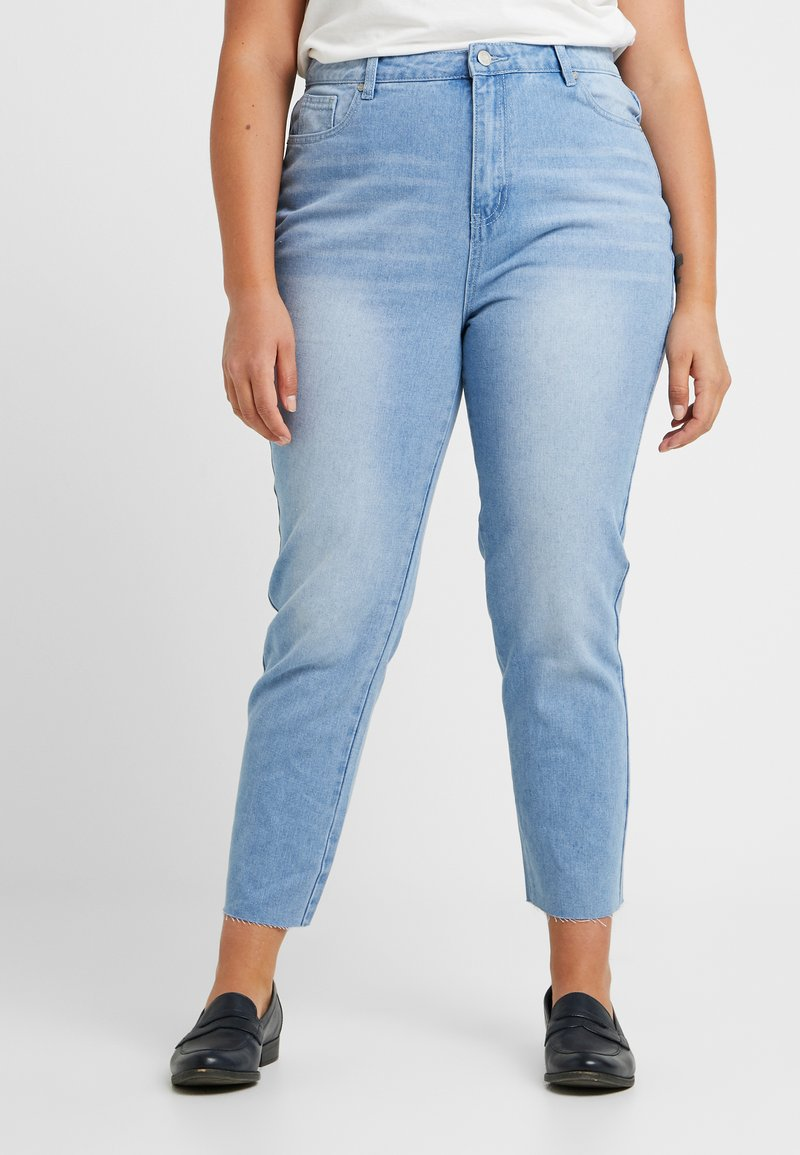 Missguided Plus - RAW HEM - Jeans slim fit - light blue