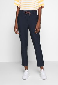 Marc O'Polo DENIM - DRAWSTRING DETAIL AT FRONT - Chinos - scandinavian blue - 0