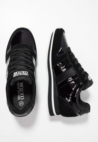 Versace Jeans Couture - Trainers - nero - 3