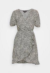 Day dress - neutral